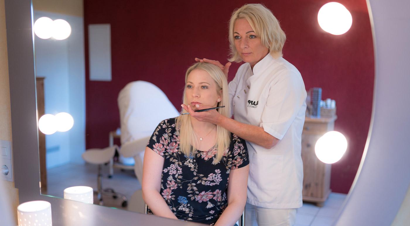 kosmetikinstitut_hammermuehle_header_makeup2